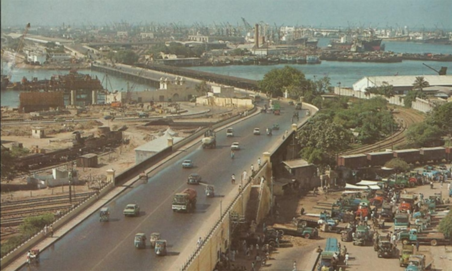 The Native Jetty Bridge in 1979. Till the early 1970s, this bridge was also an infamous 'suicide spot' for heartbroken Romeos and Juliets.