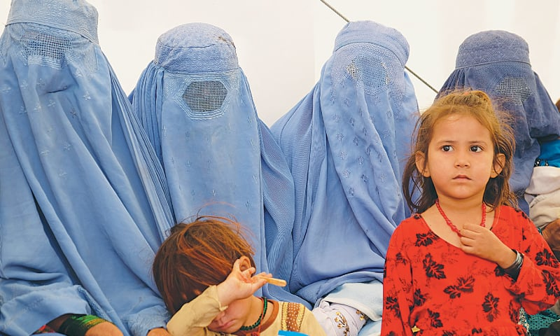 Aid agencies struggle to assist wave of returning Afghan refugees