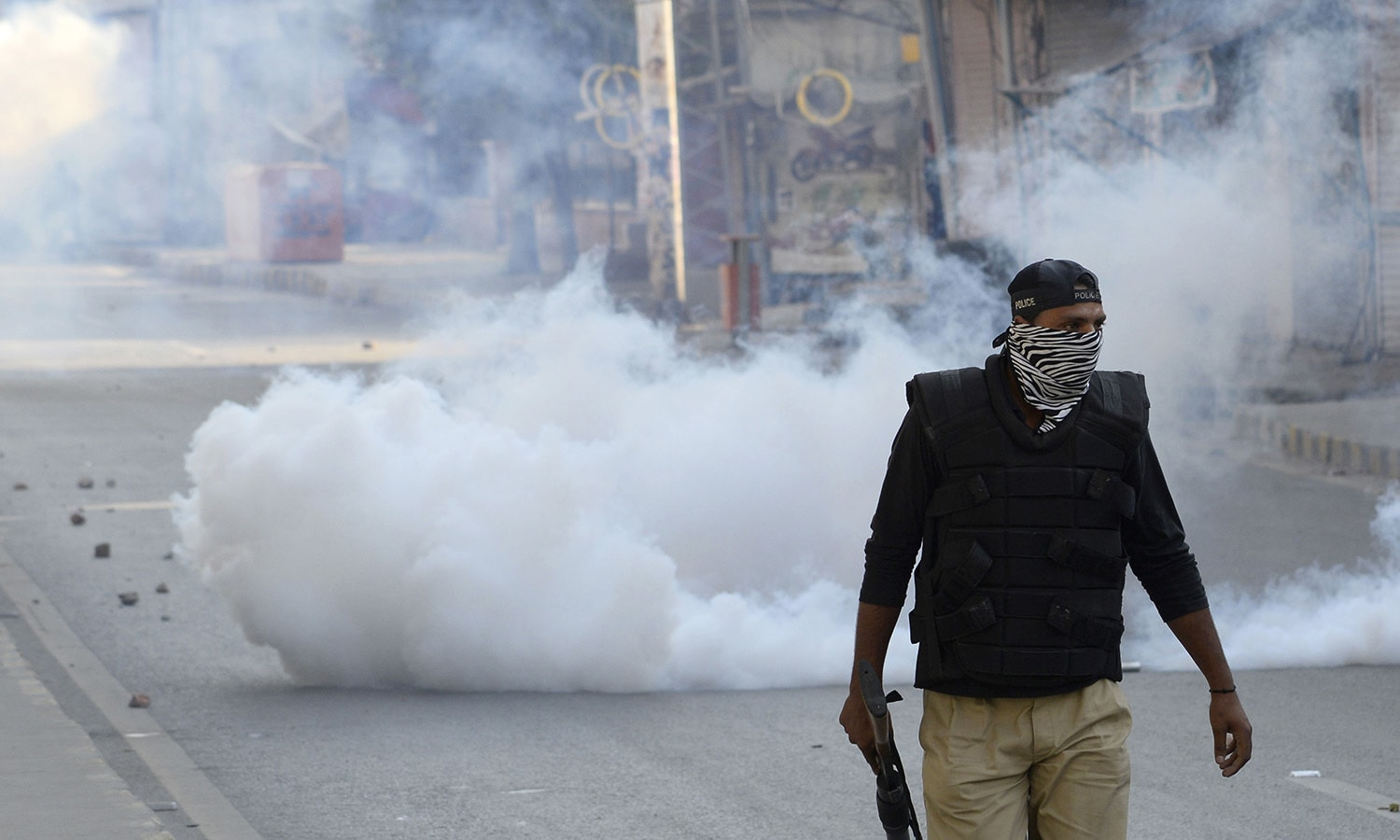 Uncertainty, teargas engulfs Rawalpindi as Nov 2 nears