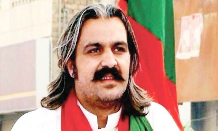 Five Kalashnikovs recovered from PTI leader's car outside Bani Gala