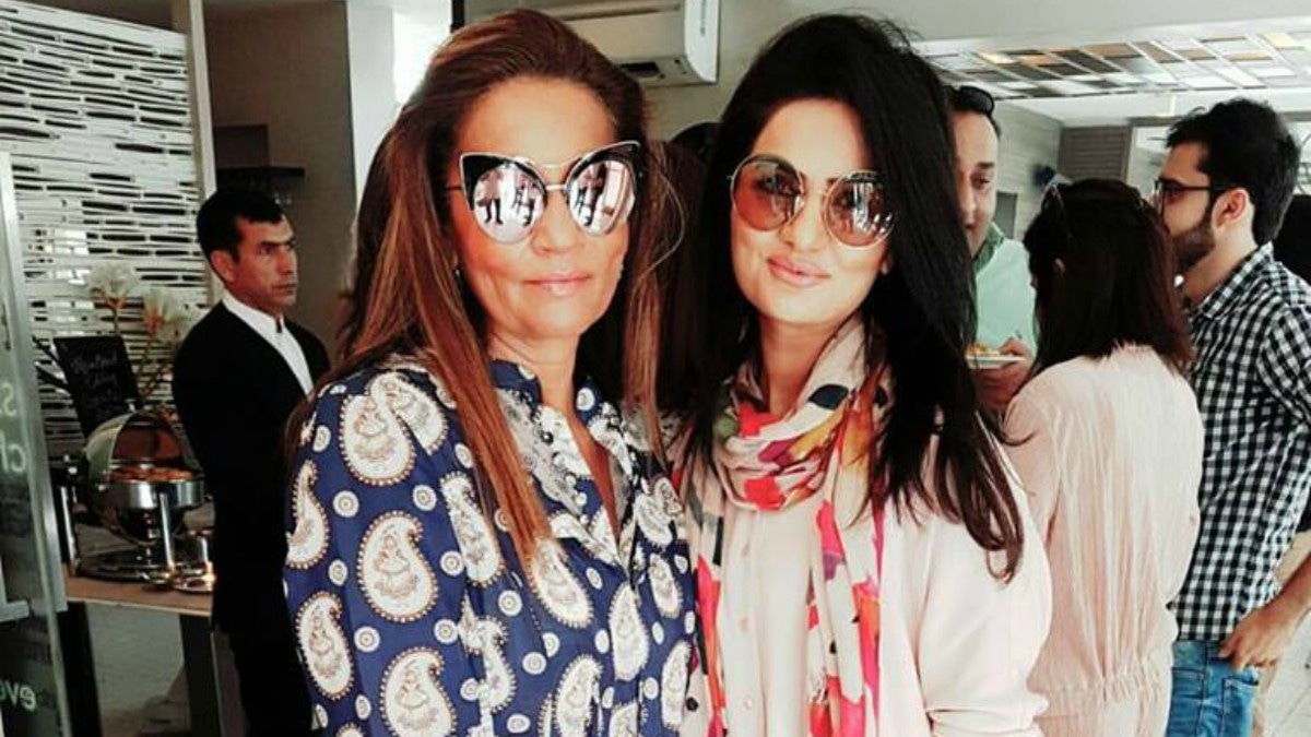 Designer Rozina Munib (right) with her PR rep, Frieha Altaf at the FPW 2016 brunch