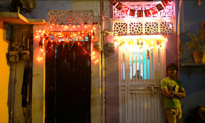 Narayanpura, another neighbourhood housing members of the Hindu community, was not far behind in the festivities.