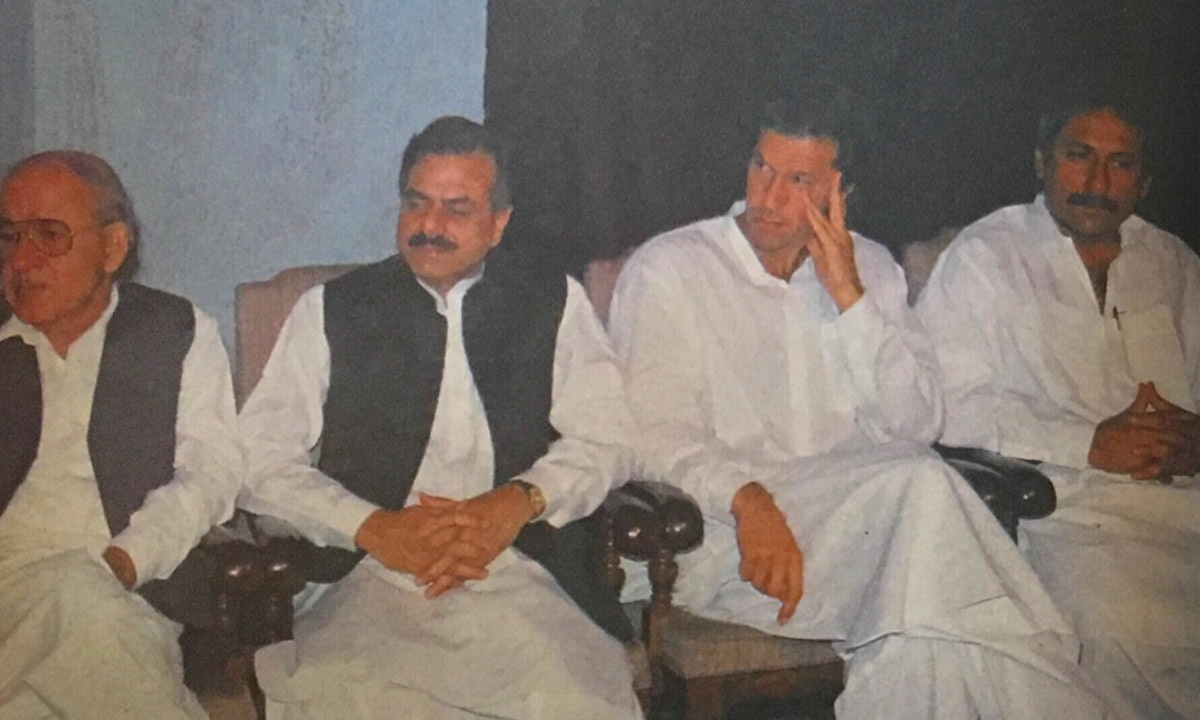 Hamid Gul and Imran Khan: the new equation. ─ Herald archives