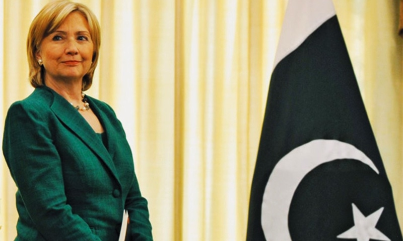 US Secretary of State Hillary Clinton before a meeting with Prime Minister Yousaf Raza Gilani in Islamabad on October 28, 2009 —AFP