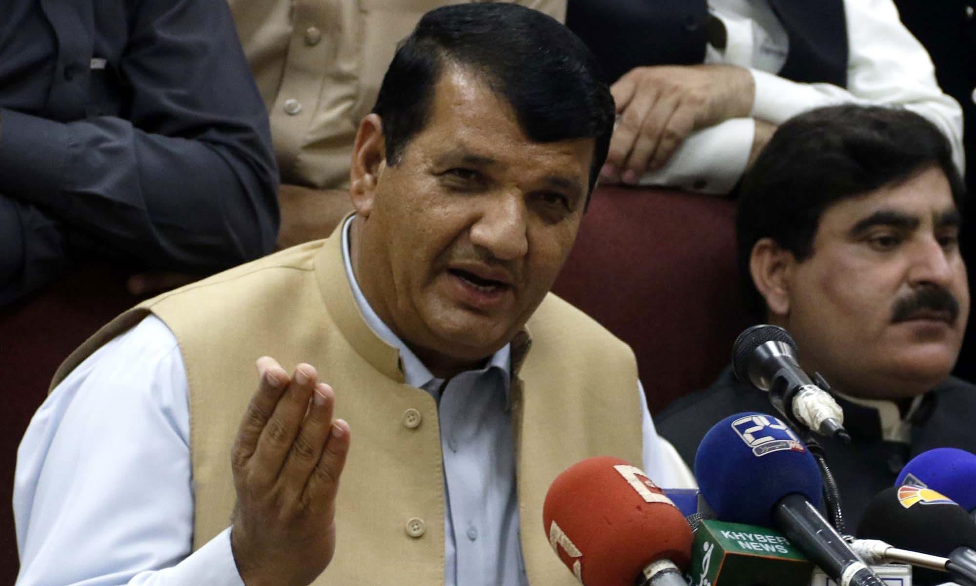 PML-N leader Amir Muqam.