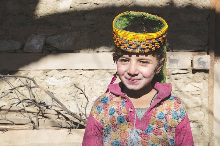 تہوار کے دن بچے خصوصی طور پر روایتی لباس پہن کر تیار ہوتے ہیں