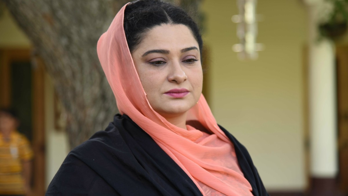 Sania Saeed is excellent in Sang-e-Mar Mar, as always