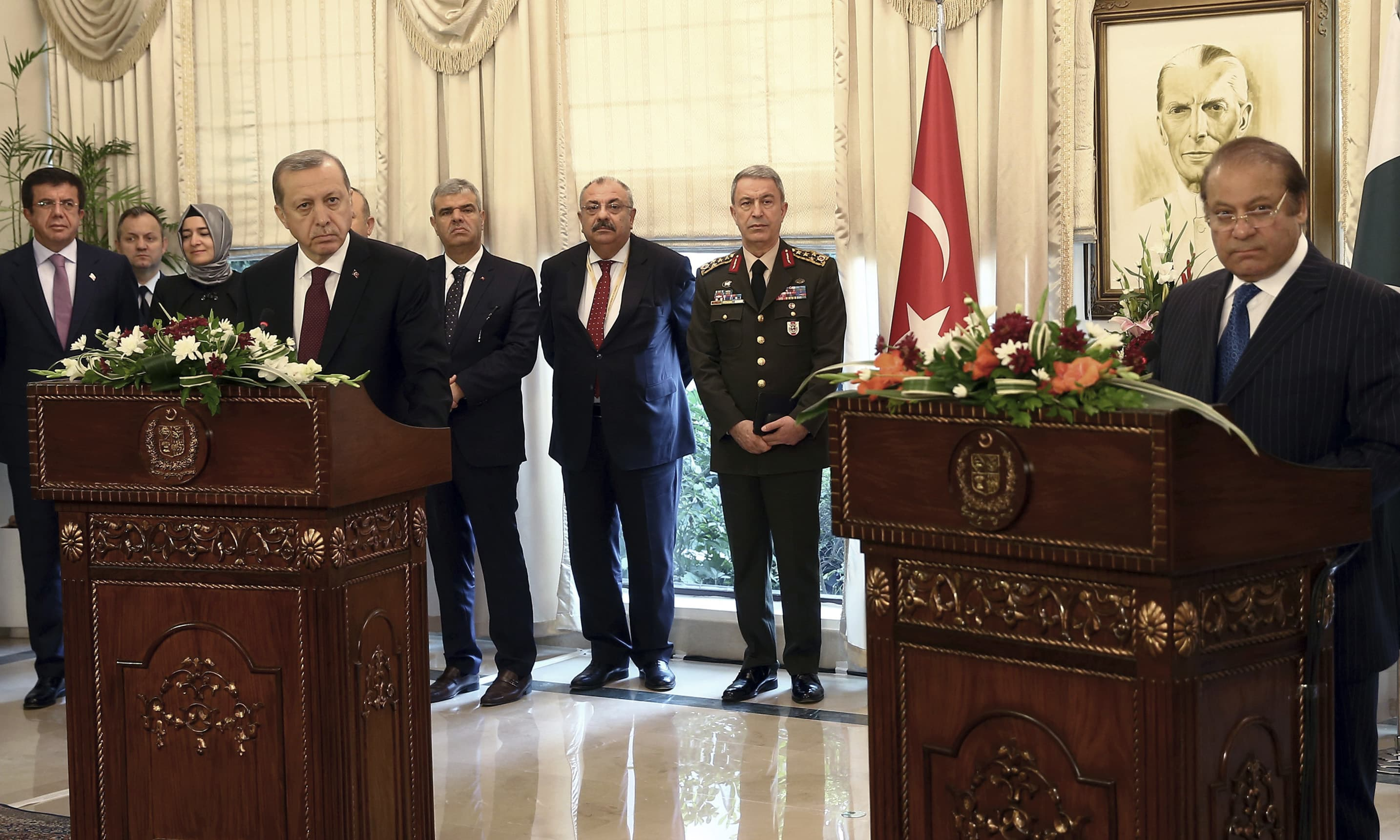 PM Nawaz Sharif, Turkish President Erdogan address joint press conference. ─AP