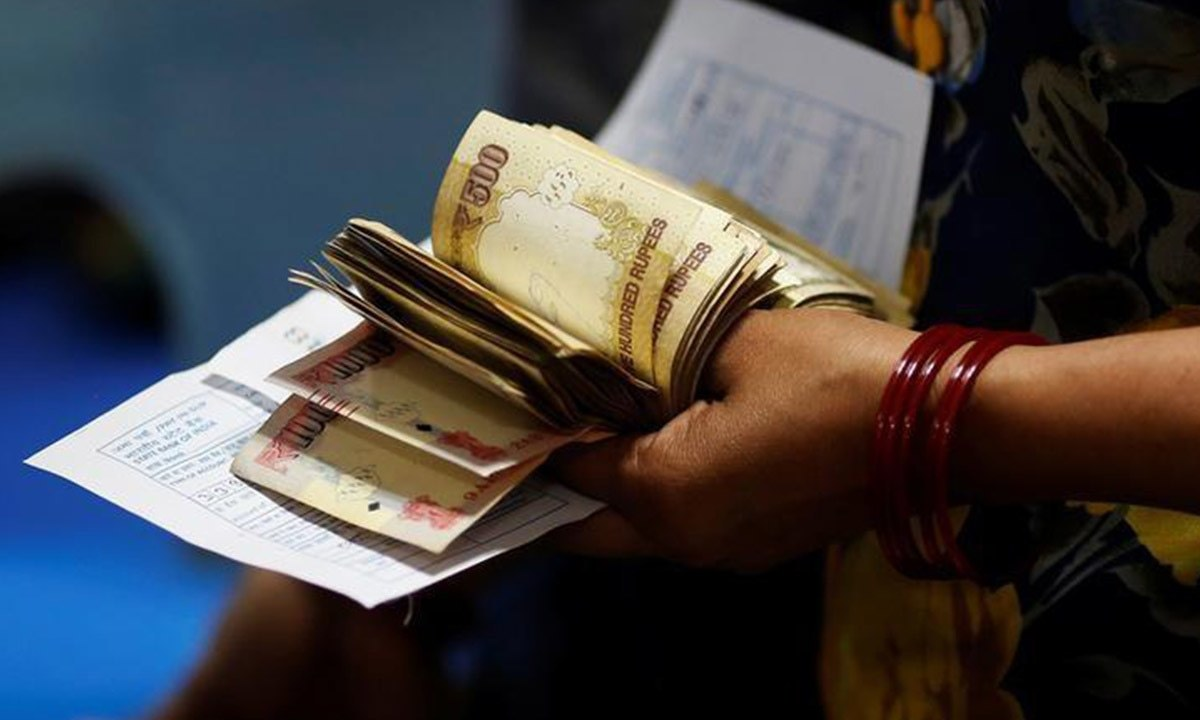 India's move to curb black money a 'disaster' for rural women, activists say