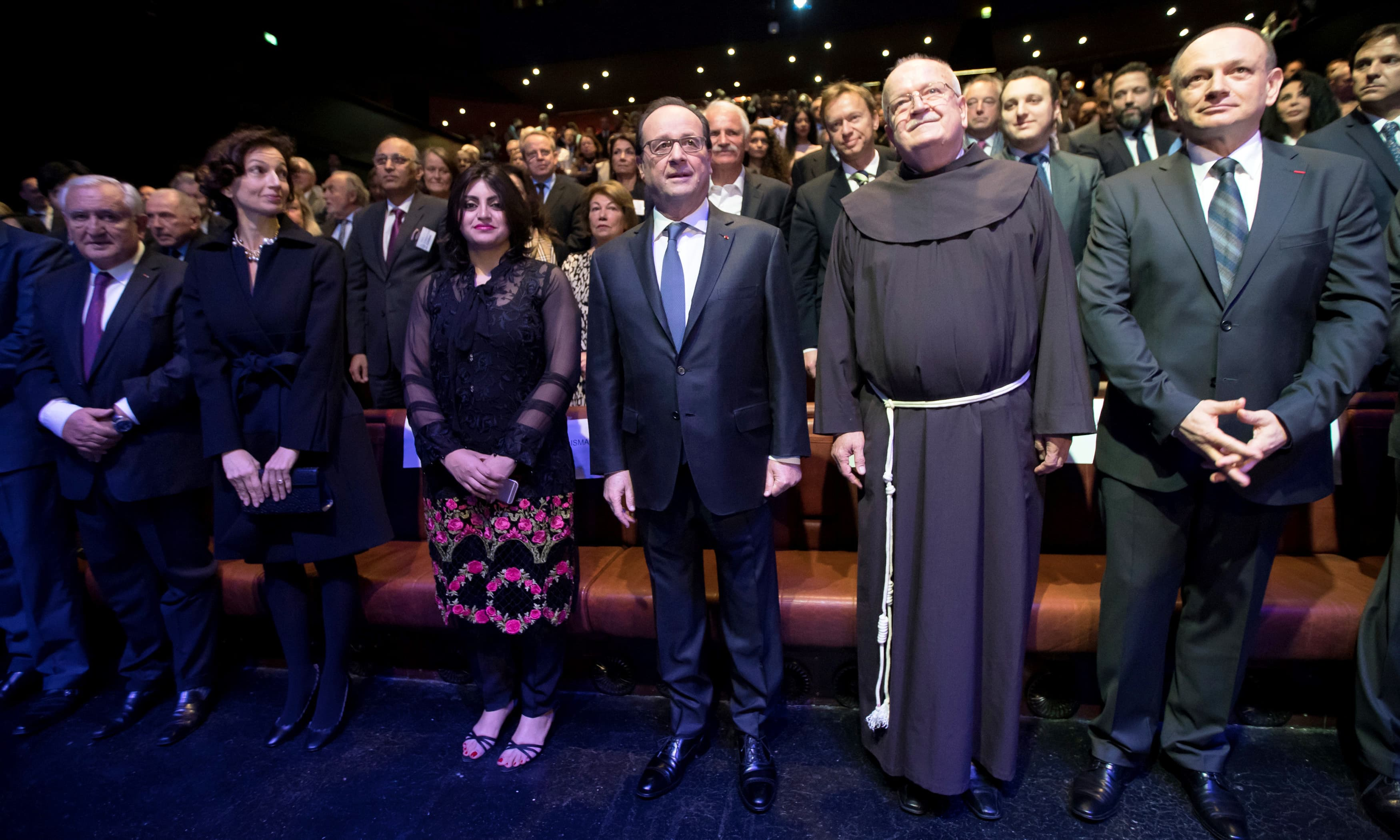 French President Francois Hollande stands next to Gulalai Ismail, winner of the Prize for Conflict Prevention. —Rreuters