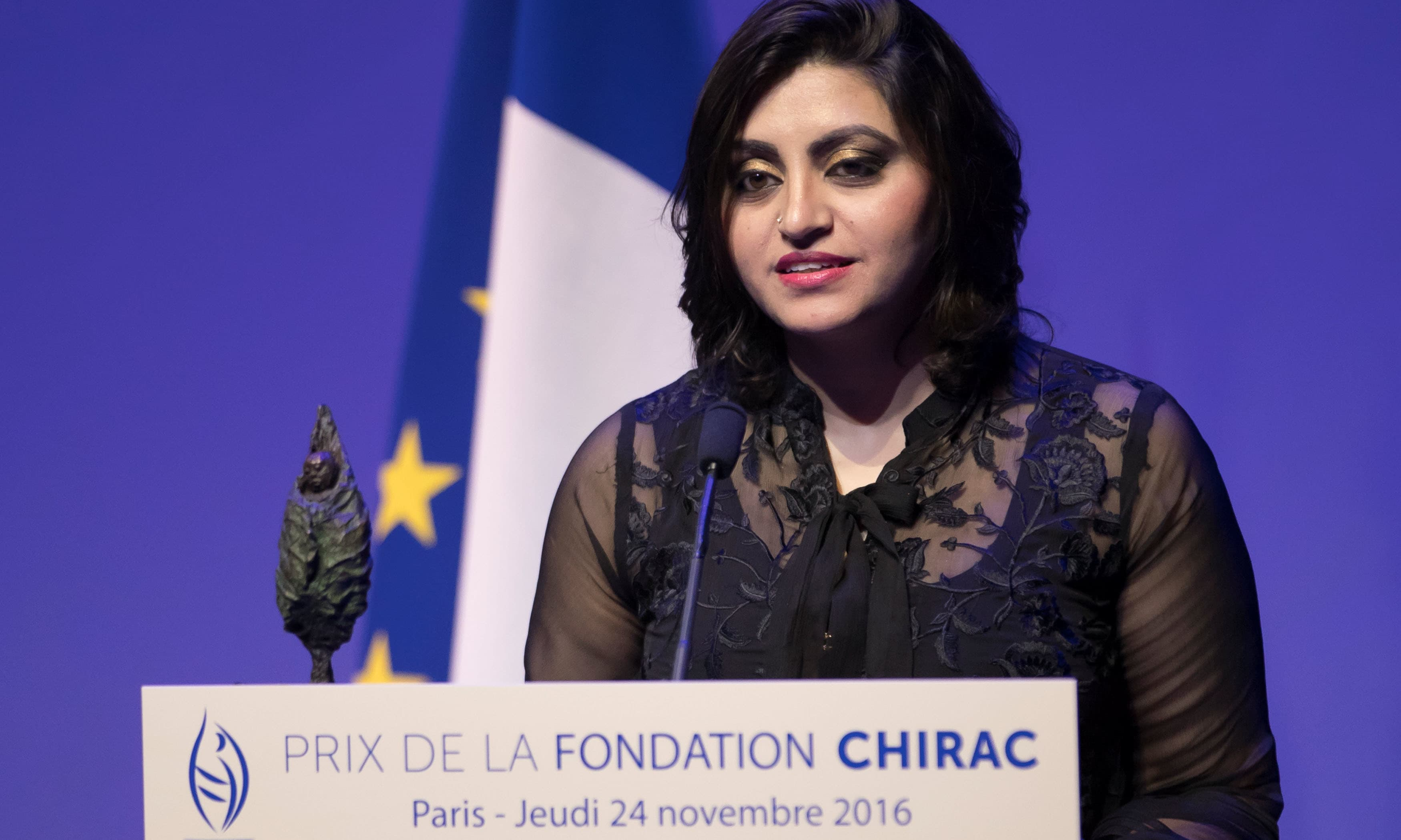 Gulalai Ismail delivers an acceptance speech after being awarded the Prize for Conflict Prevention in Paris. ─Reuters