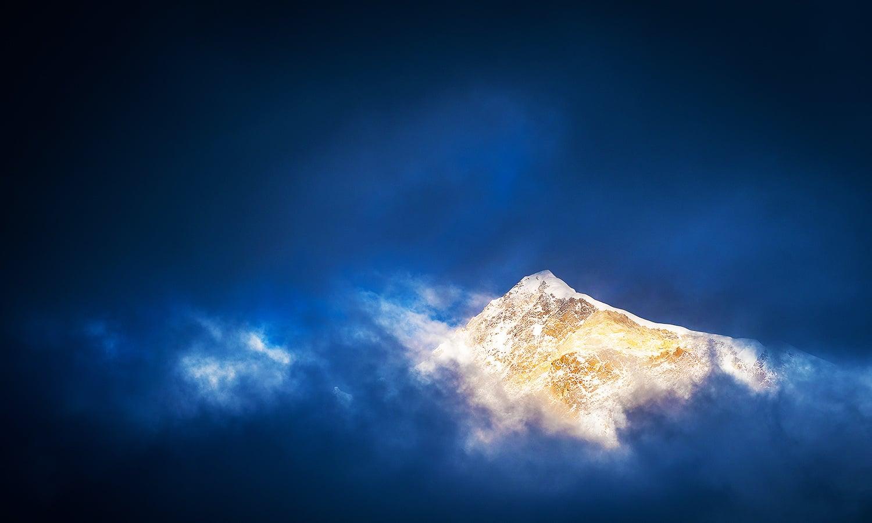 The glistening mountain peak. — Photo by Petr Jan Juračka