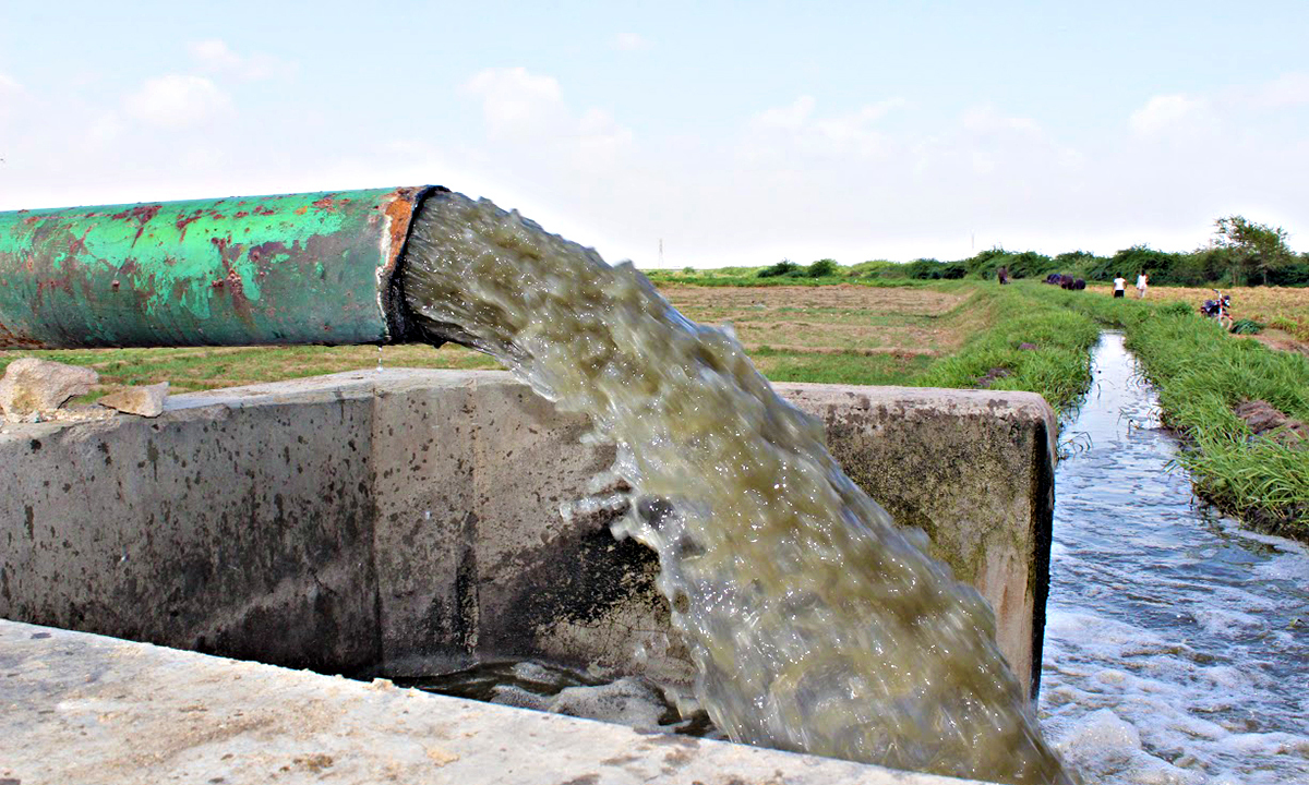 Water pump providing toxic wastewater to fields neat Shah Faisal Colony