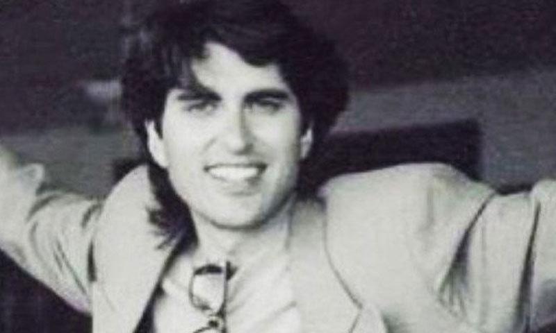 9 of our favourite Junaid Jamshed songs from his singing days