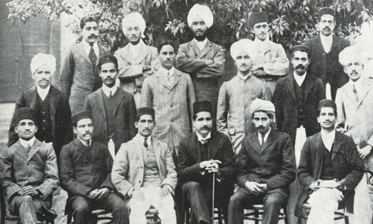Allama Iqbal (centre, bottom row) with his students and colleagues at Government College, Lahore in 1910 | *Iqbal in Pictures*