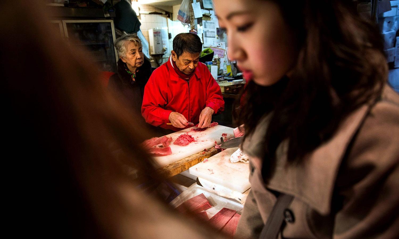 جاپان میں بھی سال نو کے تحائف لینے کا سلسلہ شروع ہوچکا ہے—فوٹو:اے ایف پی