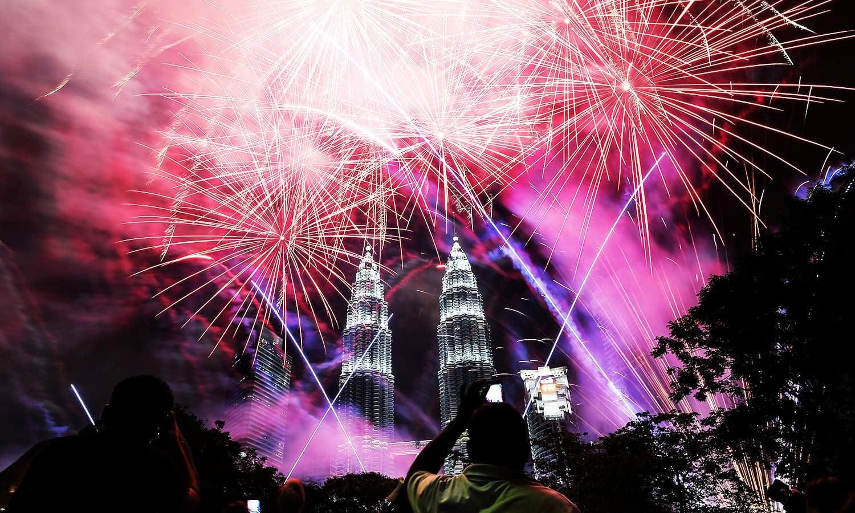 پیٹروناس ٹوئن ٹاورز، ملائیشیا — فوٹو: اے ایف پی
