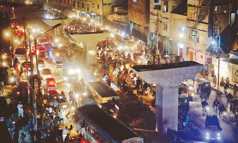 Traffic woes on the rise with four Karachi road links under construction