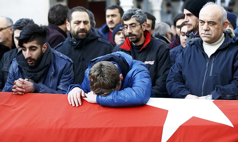 IS claims New Year's attack on Istanbul nightclub