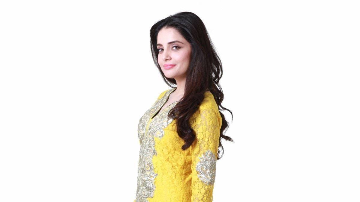 Armeena Khan is a breath of fresh air as Saman