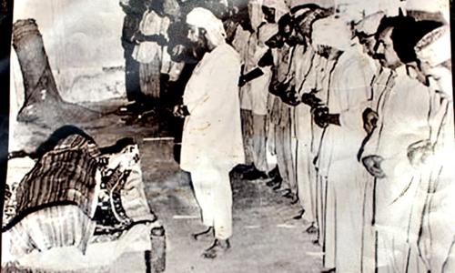ذوالفقار علی بھٹو کی نماز جنازہ کا منظر۔