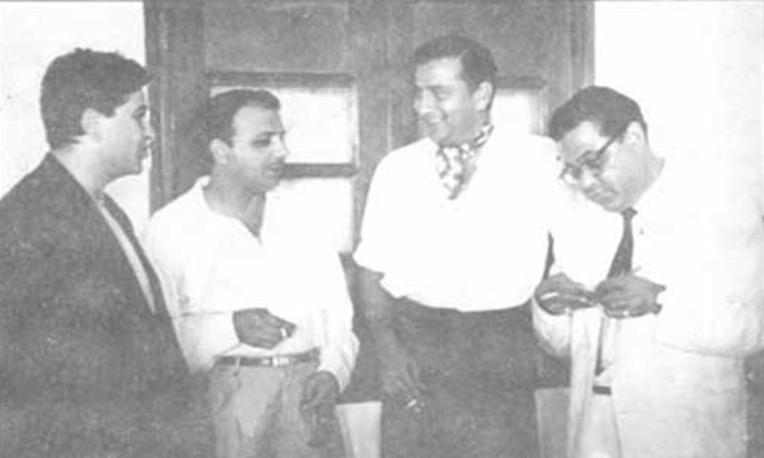 Fazal with Indian film actor Raj Kapoor during Pakistan's 1960 tour of India.