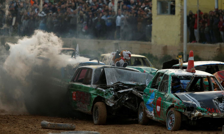 تباہ کن کارریس میں کئی ڈرائیورز نے حصہ لیا—فوٹو: رائٹرز