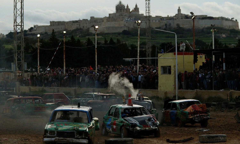 والیٹا میں ہونے والی اس ریس کا مقصد خیراتی ادارے کے لیے فنڈ جمع کرنا تھا—فوٹو:رائٹرز