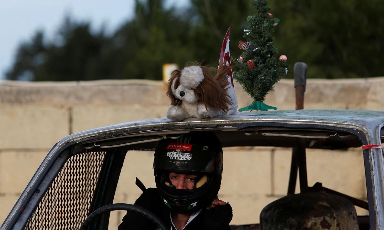 ڈرائیورز نے ریس کے لیے باقاعدہ تیاری بھی کررکھی تھی—فوٹو:رائٹرز