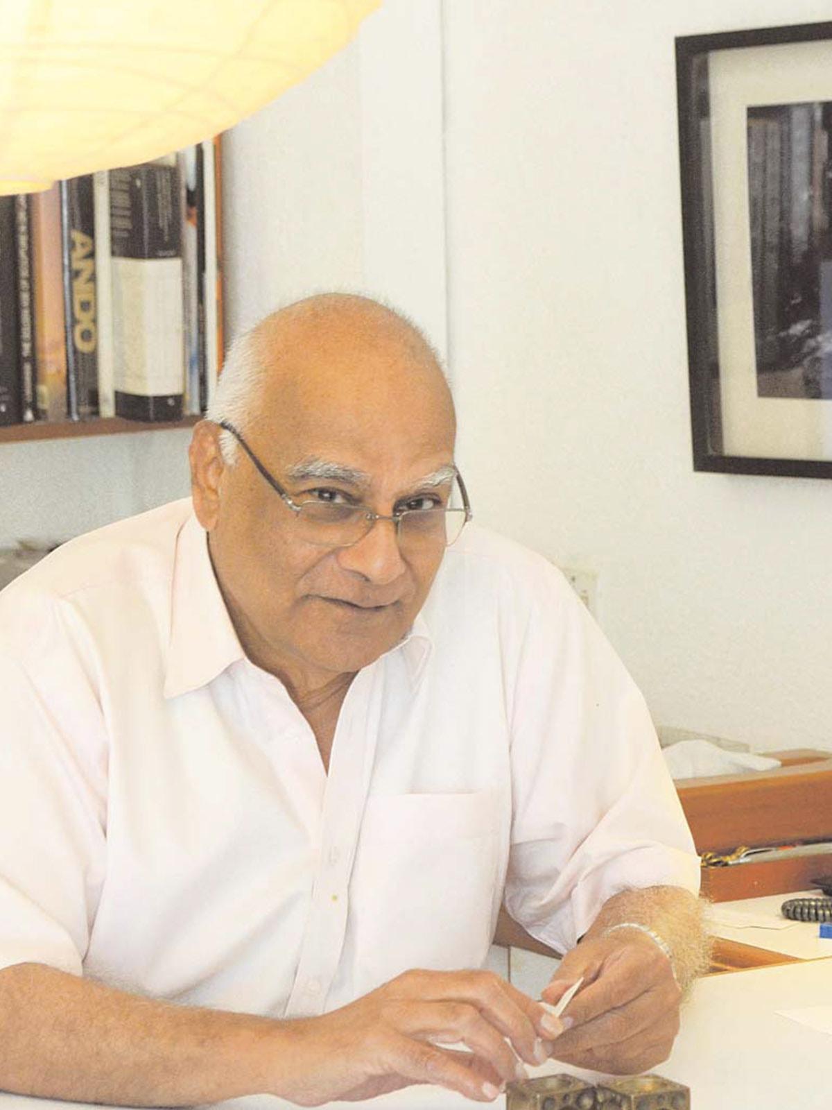 Habib Fida Ali | Emaan Rana, White Star