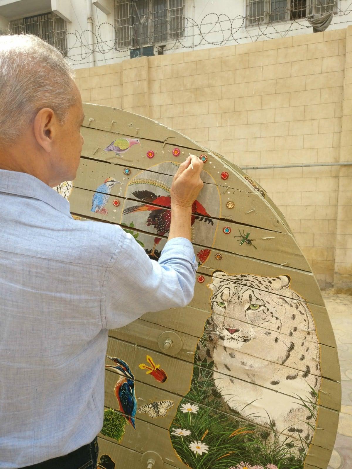 Maurizio Boscheri returns to paint a spool