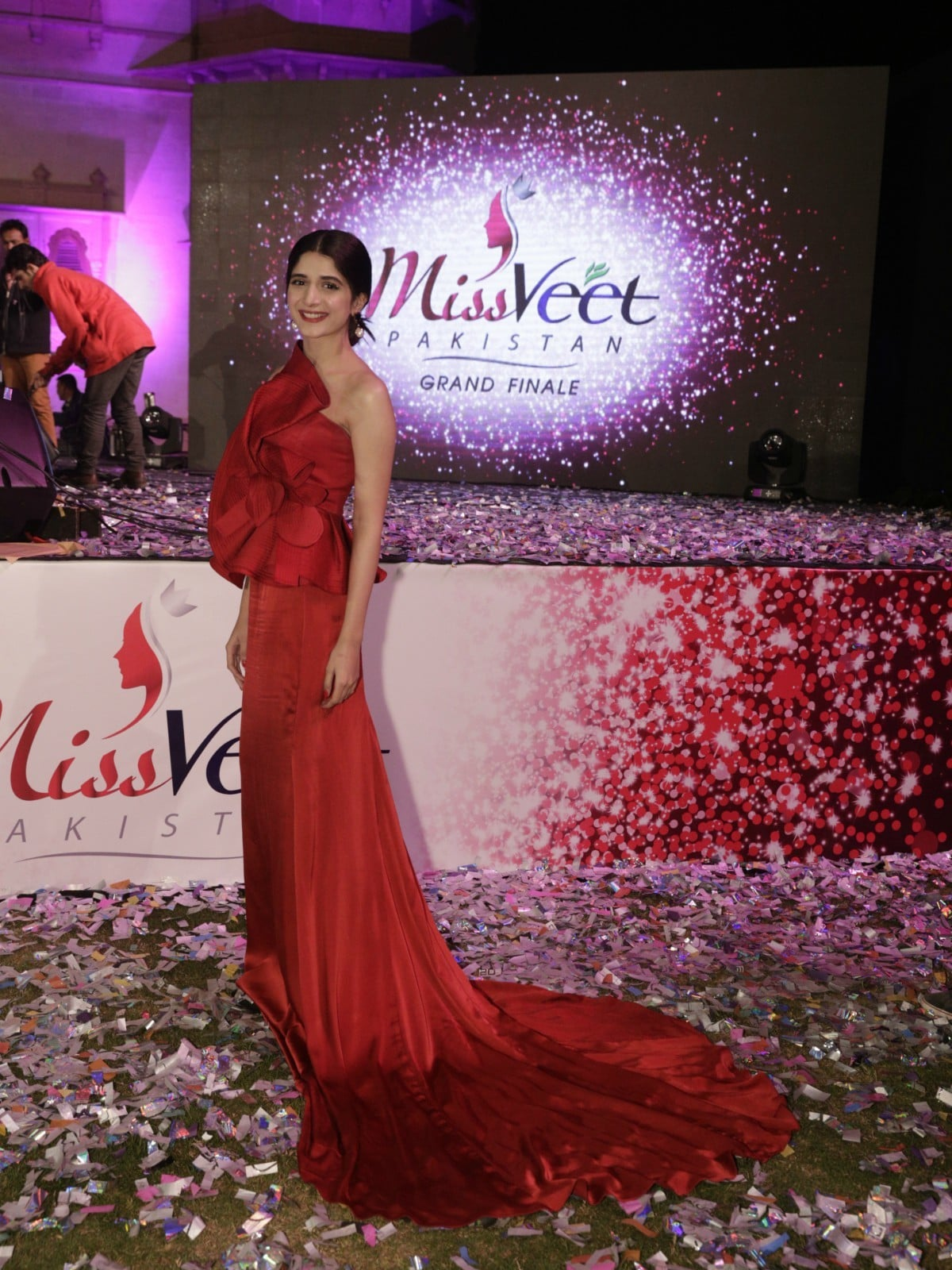 There really was pink everywhere - we're glad Mawra Hocane didn't show up in a magenta gown!