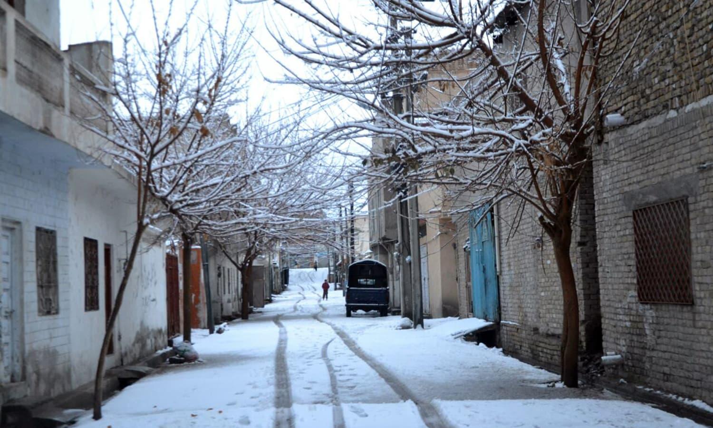 A snow-covered street in Quetta.— Photo by Asmatullah Kakar