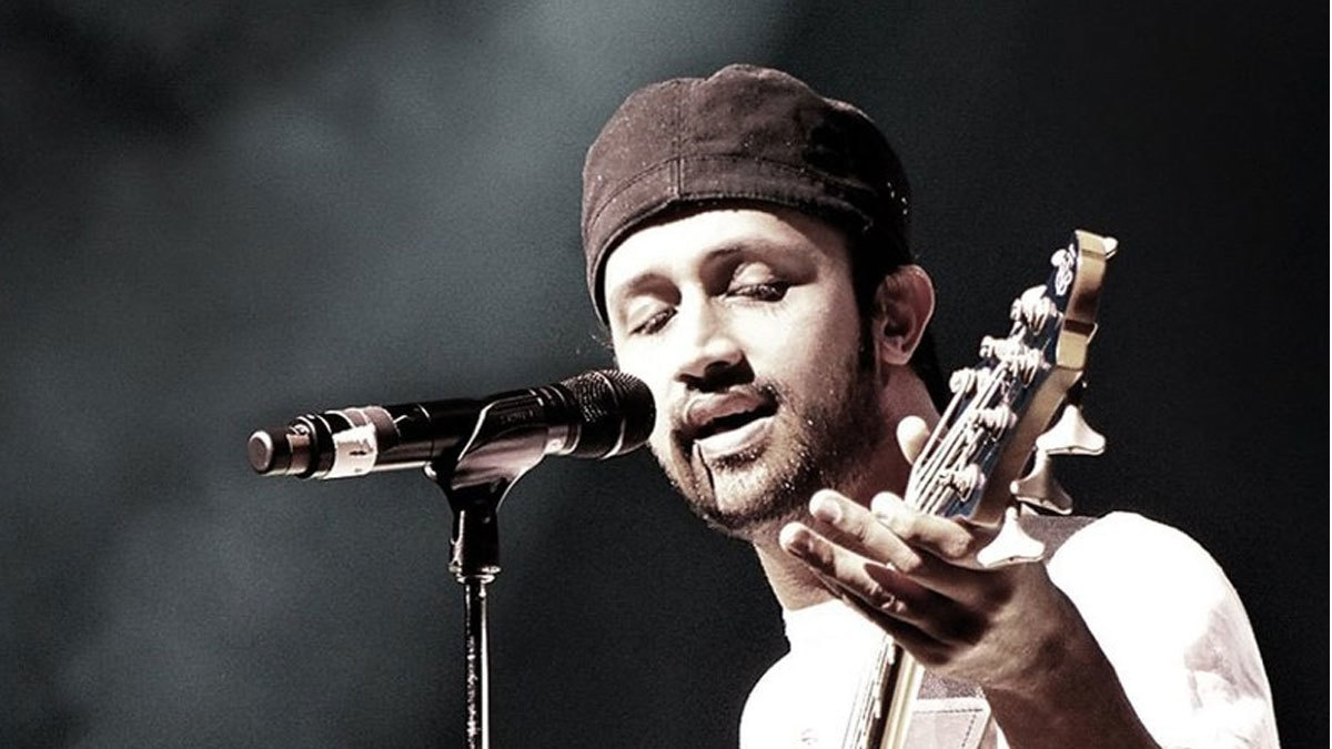 Atif Aslam calls out harassers mid-concert, tells them to respect women