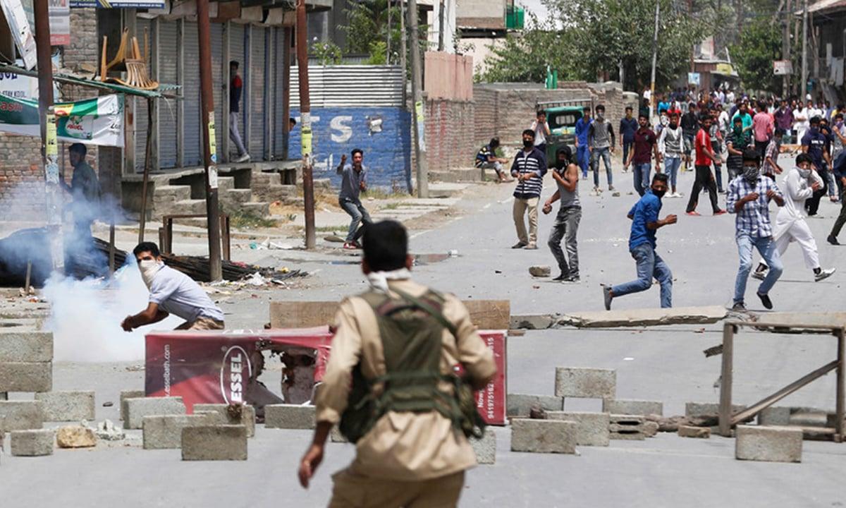 Kashmiri protestors clash with Indian police in Srinagar in July, 2016   AP