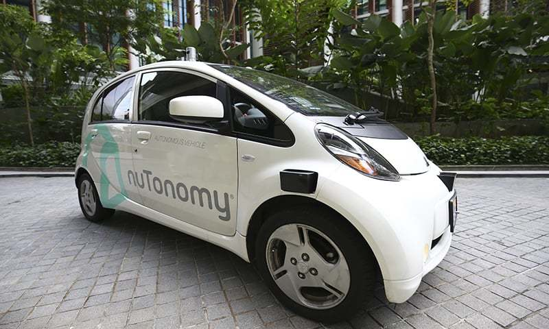 For driverless cars, a moral dilemma: Who lives or dies?