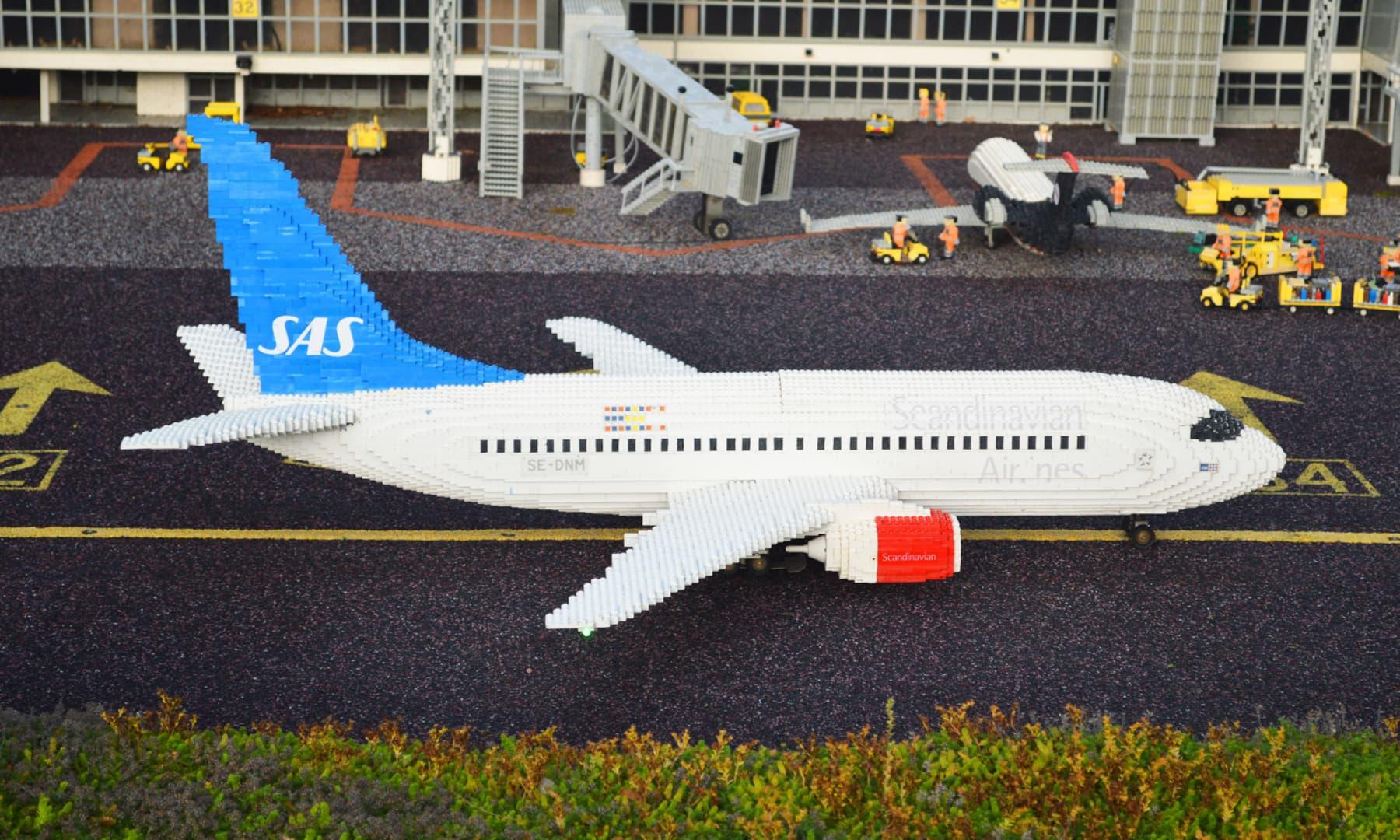 لیگو سے بنا ہوائی اڈہ — تصویر رمضان رفیق