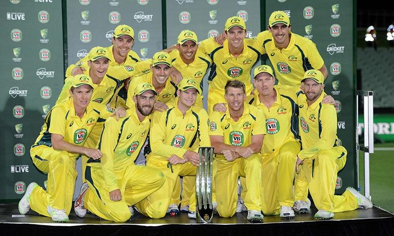 سیریز 4-1 سے جیتنے والی آسٹریلین ٹیم کا گروپ فوٹو— فوٹو: اے ایف پی
