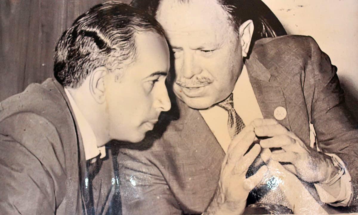 Zulfikar Ali Bhutto (l) and General-turned politician Ayub Khan (r).— File