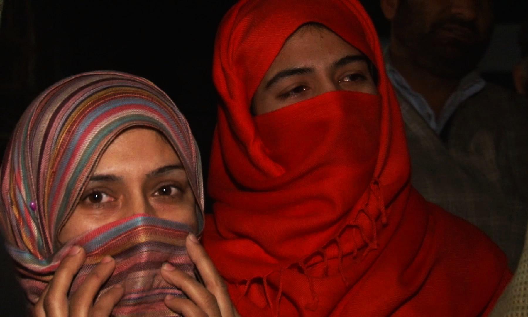 محمد اشرف کی بیٹیاں — تصویر نوید نسیم