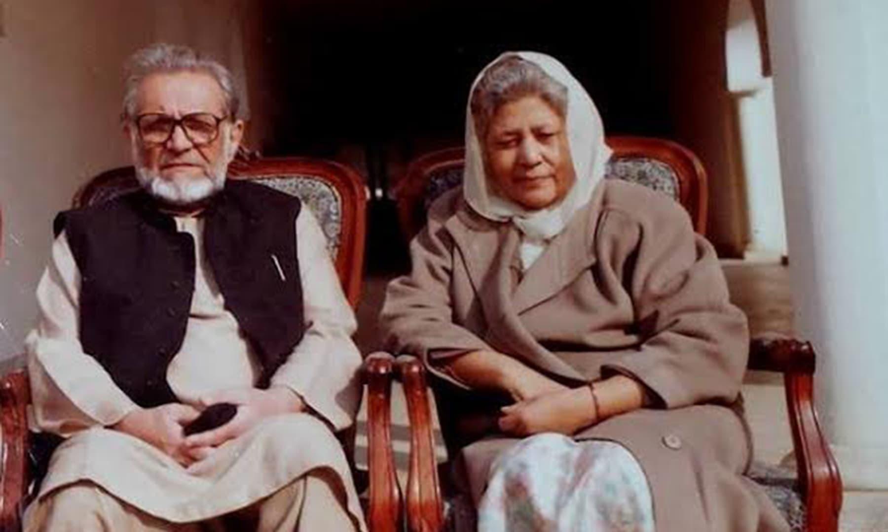 بانو قدسیہ اور اشفاق احمد نے اردو ادب کو کئی نایاب تخلیقات دیں—فائل فوٹو: ٹوئٹر