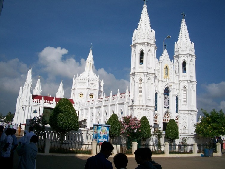 Basilica Our Lady of Velankanni in the Indian state of Tamil Nadu. D.Fernandes, Author provided.