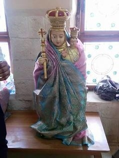 The Virgin Mary wearing a sari in the Karachi church dedicated to her devotion. D.Fernandes, Author provided.