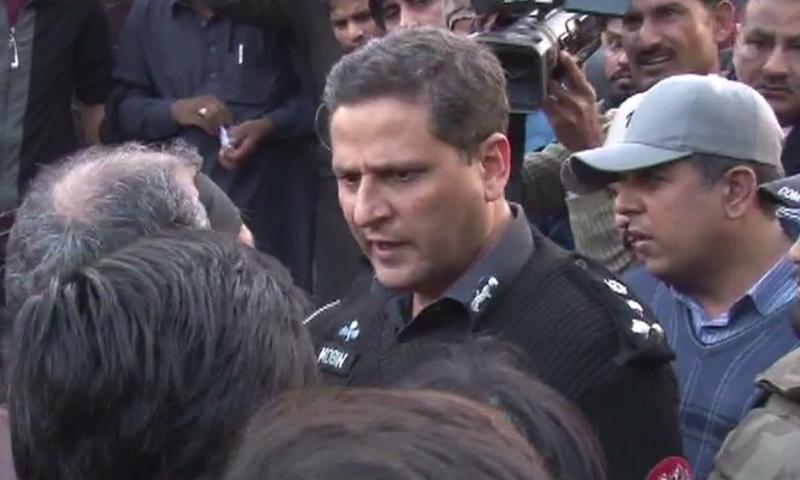 ڈی آئی جی ٹریفک لاہور احمد مبین— فوٹو: ڈان نیوز