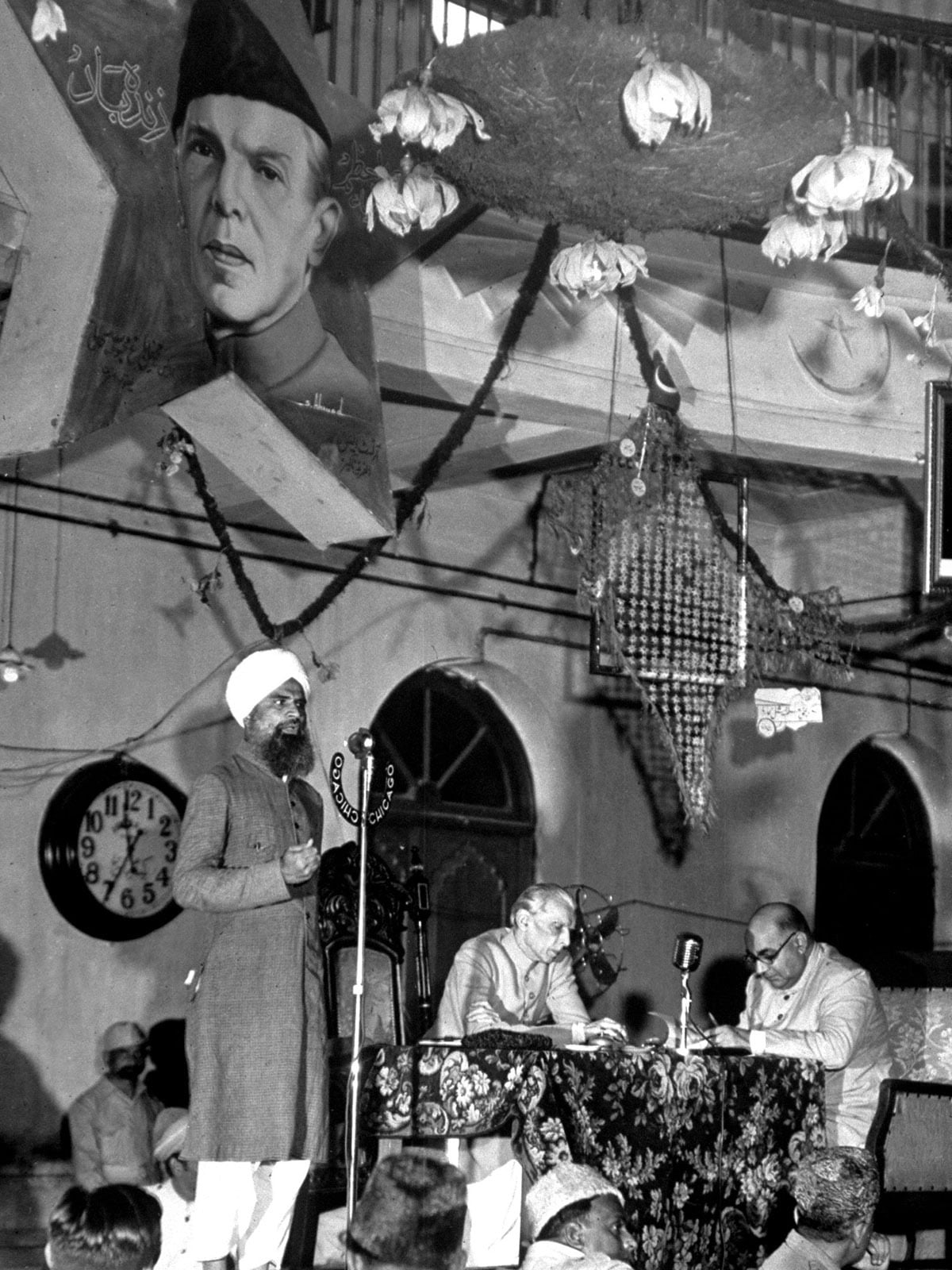 Muhammad Ali Jinnah and Liaquat Ali Khan at a public meeting | White Star Archives