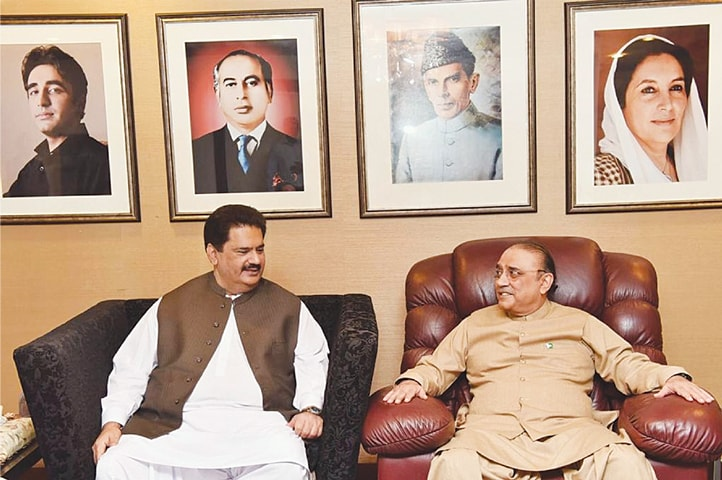 KARACHI: Former MNA Nabil Gabol called on former president Asif Ali Zardari on Wednesday and announced that he would be rejoining the party after leaving it almost four years ago.