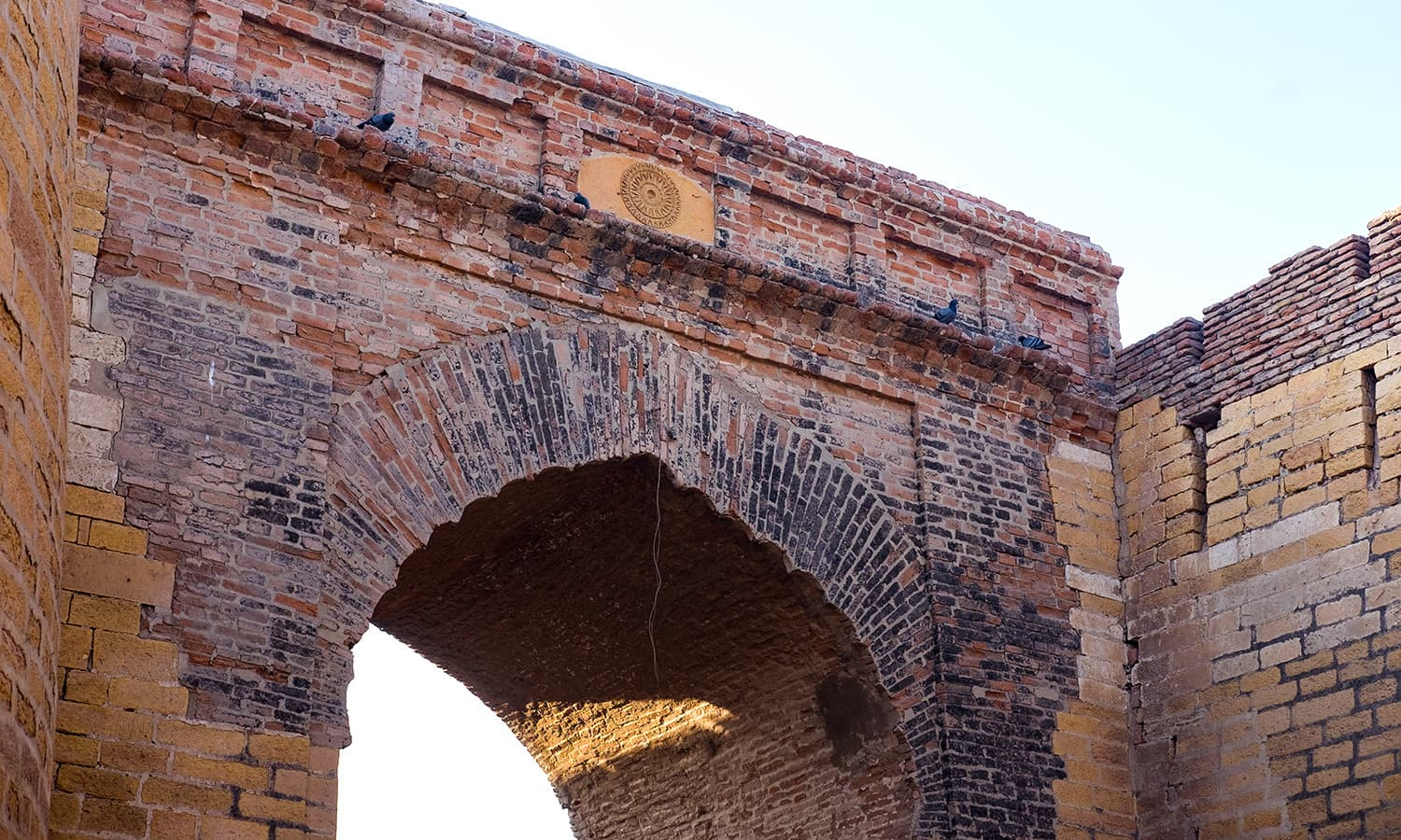 The imposing entrance of the Umerkot Fort.