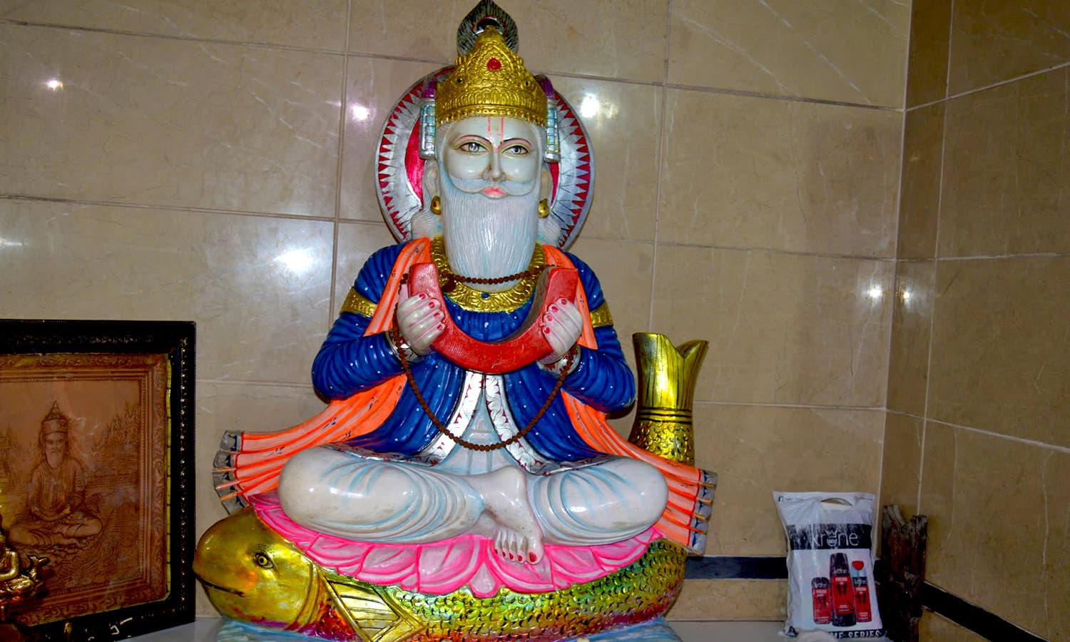 Jhulay Lal statue inside the Darya Lal temple in Karachi.