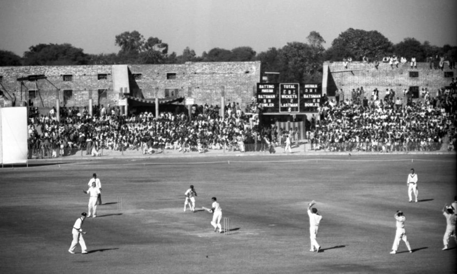 1959: The first Test at Gaddafi (then called Lahore Stadium): Pakistan vs. Australia. (Pic: DAWN)