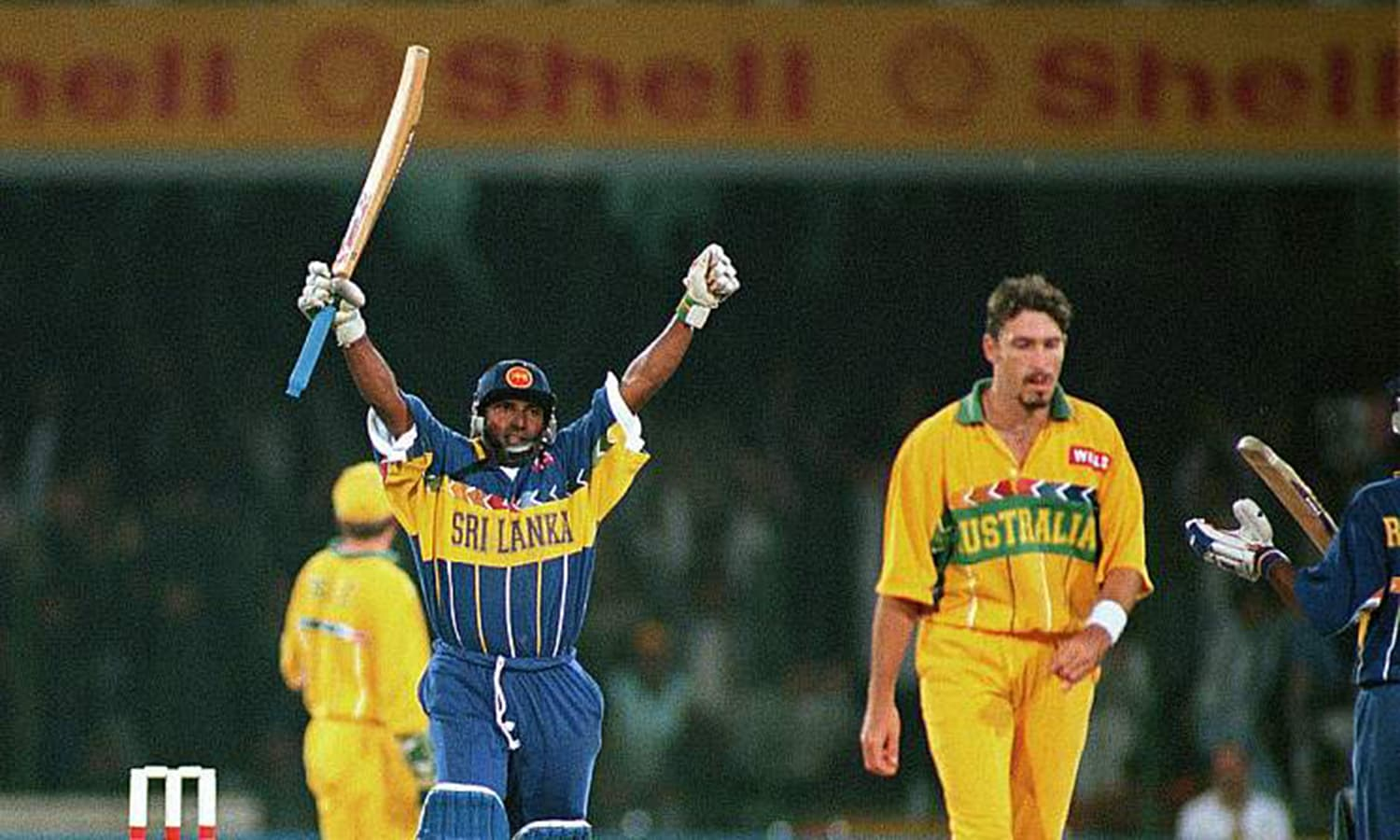 The 1996 Cricket World Cup final between Australia and Sri Lanka at the Gaddafi Stadium. (Pic: Cricbuzz)